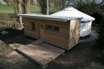 Dvouplášťová jurta s přístavbou