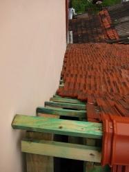 Hřeben a štítová zeď
